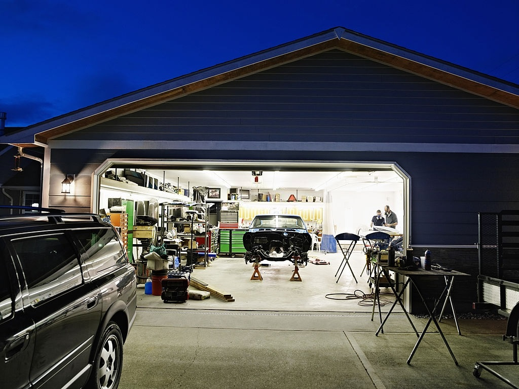 Best LED Light Bulbs For Garage Door Opener
